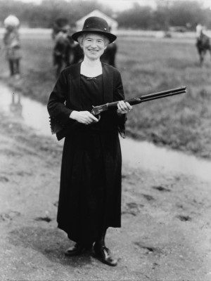 Description Annie Oakley NYWTS.jpg