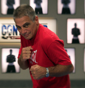 The Brooklyn-born Tony Danza went 9-3 in