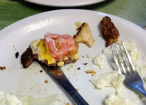 Laurie Notaro's Clean Your Plate (Then Take a Picture of It) Club