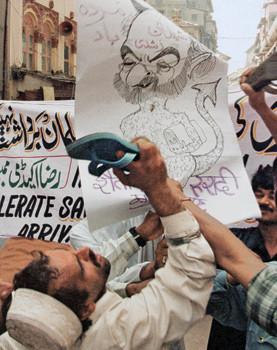 ... / Yusuf Islam, Salman Rushdie and the Satanic Verses fatwa, part 5