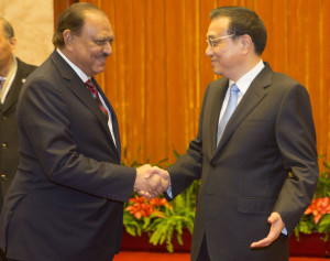 Mamnoon Hussain Pakistan President Mamnoon Hussain L meets with