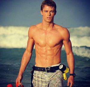 Luke Mitchell♥ (from H2o just add water season 3)Attraction Men, Hot ...
