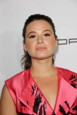 Katie Lowes Pictures amp Photos