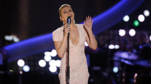 LeAnn Rimes Steals The Show With Emotional Patsy Cline Tribute [WATCH]
