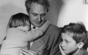 Fadingly famous: Sir Stephen Spender with his children Matthew and ...