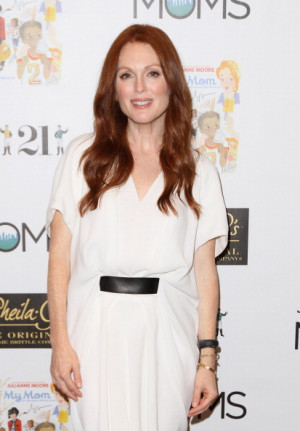 Julianne Moore attends The Moms amp Julianne Moore 39 My Mom 39 Book ...