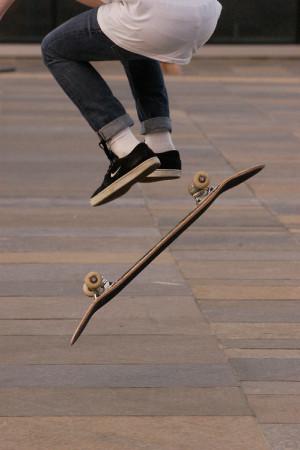 skateboarding nike jump skater