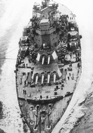 WWII built King George V class ships had 2 quadruple turrets too.