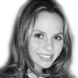 Sara Shepard Headshot