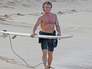 Hey, bud! Sean Penn channels Spicoli with holiday surf session