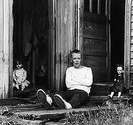 después de su muerte, Meatyard sigue siendo un fotógrafo de fama ...