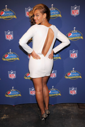 Beyoncé Knowles brought sexy back in a white minidress for the Super ...