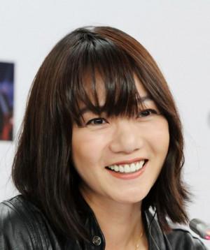 Bae Doona (Seul, 11 ottobre 1979) è un'attrice, modella e fotografa ...