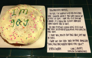 Laurel Comes Out to Her Parents Using a Cake (Gayke) & it Goes Viral