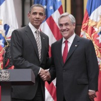 Sebastian Pinera Shaking Hands With Barack Obama