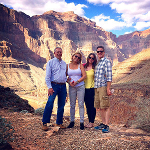 Brittany Maynard (third from left) and her family at the Grand Canyon ...
