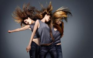 1050742__girls-hair-blowing-in-the-wind_p.jpg