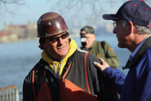 Ken Salazar Salazar Views Hurricane Sandy Damage On Tour Of Liberty