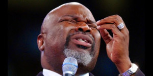 """Bishop T. D. Jakes Responds to """"Critic"""" Who Questioned His Diamond ..."""