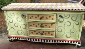 Source: http://www.lucydesignsonline.com/2010/09/another-dresser-redo ...