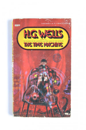 Wells, Time Machine, 1970s Vintage Science Fiction Paperback Book ...