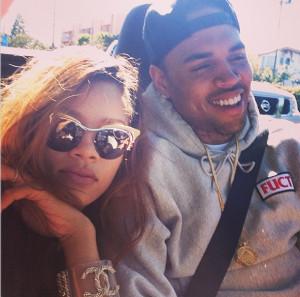 Rihanna Posts Chris Brown Photo Amid Split Rumors (PICS)