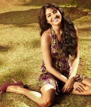 Anushka Sharma Hot Images And Wallpapers
