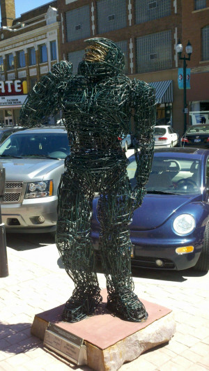 Master Chief as a wire sculpture