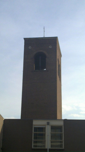 Funny photos funny surprised scared tower building wtf face