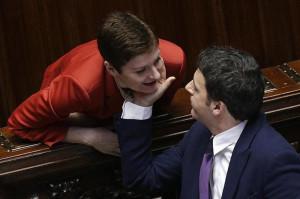 ... Renzi e le tenerezze in Aula http bit ly ljjtI fb bf a fc cb dc e d ba