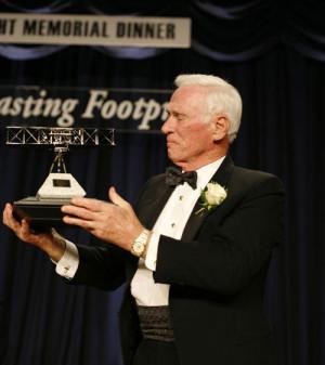 Bombardier Aerospace Congratulates Eugene A. Cernan, 2007 Wright ...