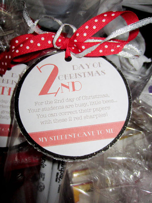 Christmas for teachers. This site has some fun ideas for teacher gifts ...