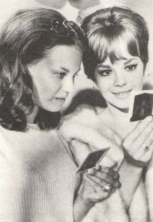 Natalie-and-Lana-Wood-natalie-wood-30428901-454-657.jpg