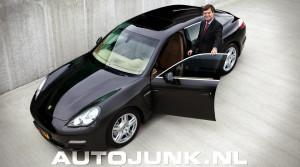 Foto Jan Peter Balkenende opent nieuw pand Porsche Rotterdam