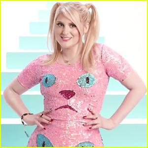 meghan-trainor-lips-movin-video.jpg