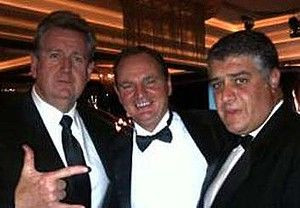 photo he must now regret: Barry O'Farrell with Paul Pisasale and ...