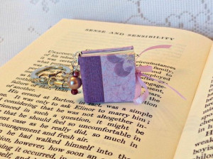 Jane Austen Sense and Sensibility Mini Book keychain/Elinor Dashwood ...