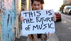Amanda Palmer's talk about music and accepting money is becoming a ...