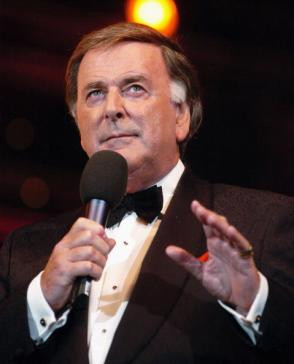 terry wogan tweet acting radio personality bbc s wake up to wogan 77 ...
