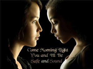 Safe-and-Sound-Rue-and-Katniss-the-hunger-games-28518929-847-631.jpg