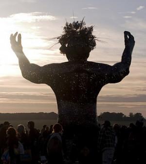 summer-solstice-stonehenge-e1340147676803.jpg