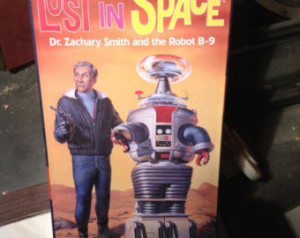 Lost in Space Dr Zachary and Robot B 9 Model Kit
