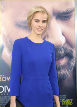 Isabel Lucas Joins Russell Crowe at 'The Water Diviner' Hollywood ...