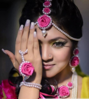 Here are some of the designs of Artificial Floral Jewellery..