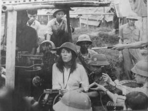 Jane_Fonda_Vietnam.jpg