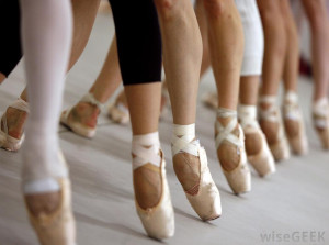 ballet which gained popularity in france is a type of performing arts