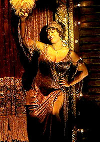 Queen Latifah Shows 'Class' as Mama Morton in