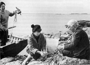 Tuulikki_Pietilä_Tove_Jansson_and_Signe_Hammarsten-Jansson_1956.jpeg