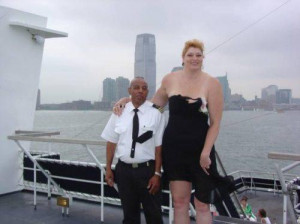 Extremely tall women.. if you are in to that kind of thing… (34 ...