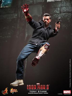 Hot Toys - Iron Man 3 - Tony Stark (Mandarin Mansion Assault Version ...